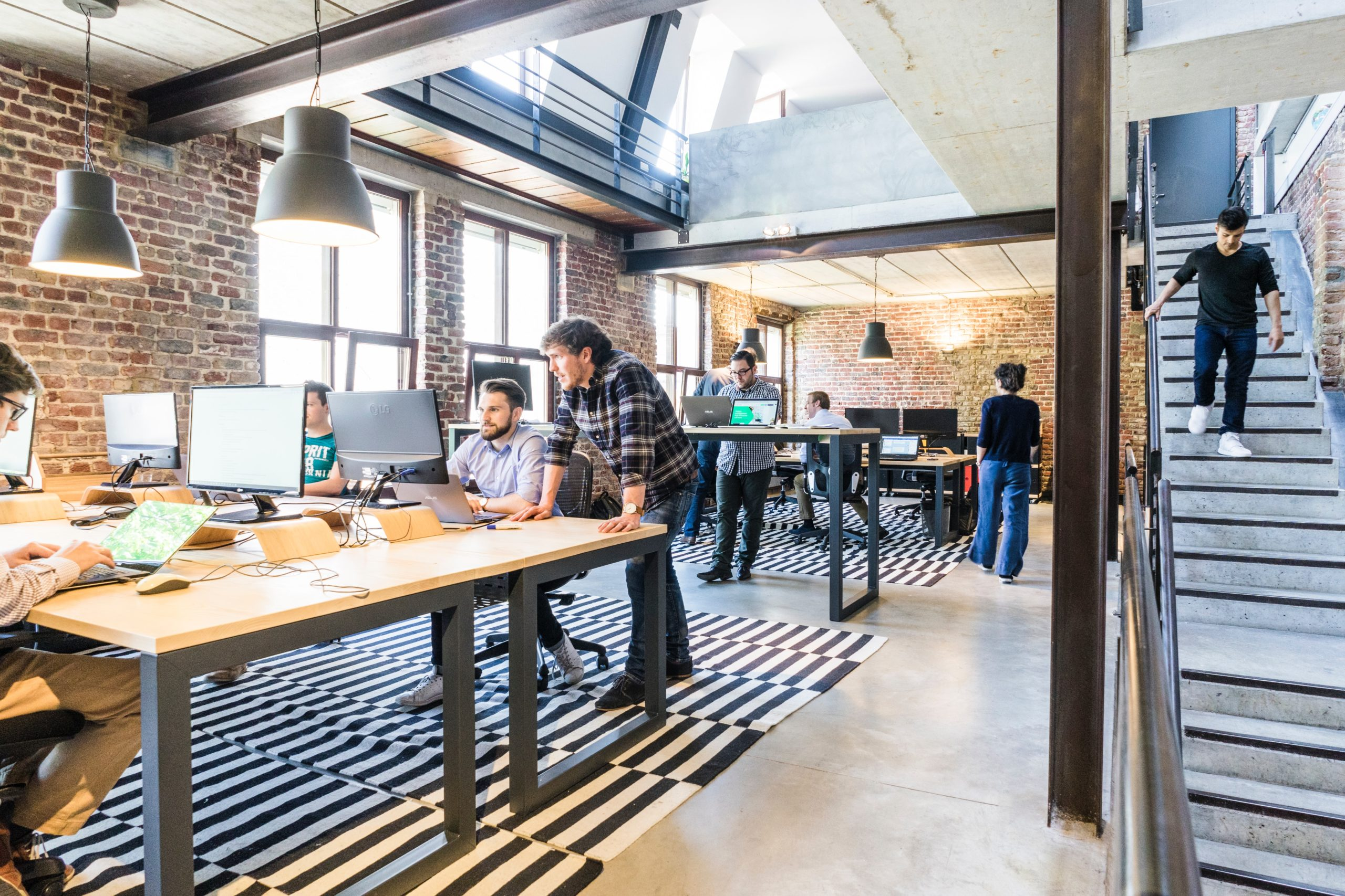 corporate Real Estate Priorities Hybrid Workplace
